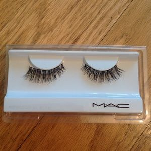 MAC Cosmetics False Lashes In Style #10